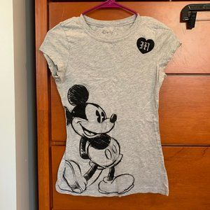 Disney Brand Juniors Mickey Mouse t-shirt Large
